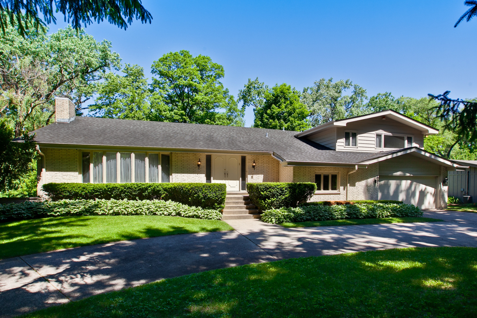 93 Lincolnshire Drive Chicago's North Shore, North and Northwest Suburbs Home Listings - Allyson Hoffman Northern Illinois Real Estate