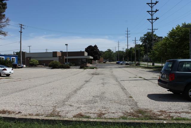 421 Grove ,Dekalb, Illinois 60115