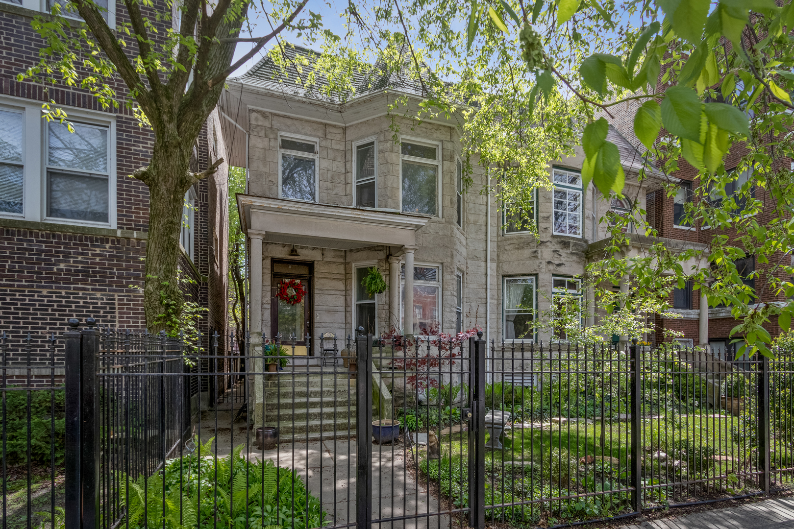 4 Townhouse in Rogers Park