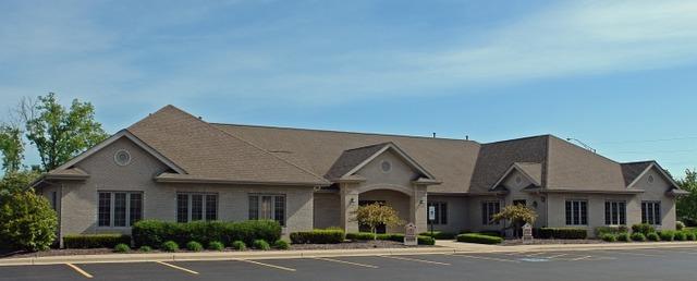 8194 Cass ,Darien, Illinois 60561