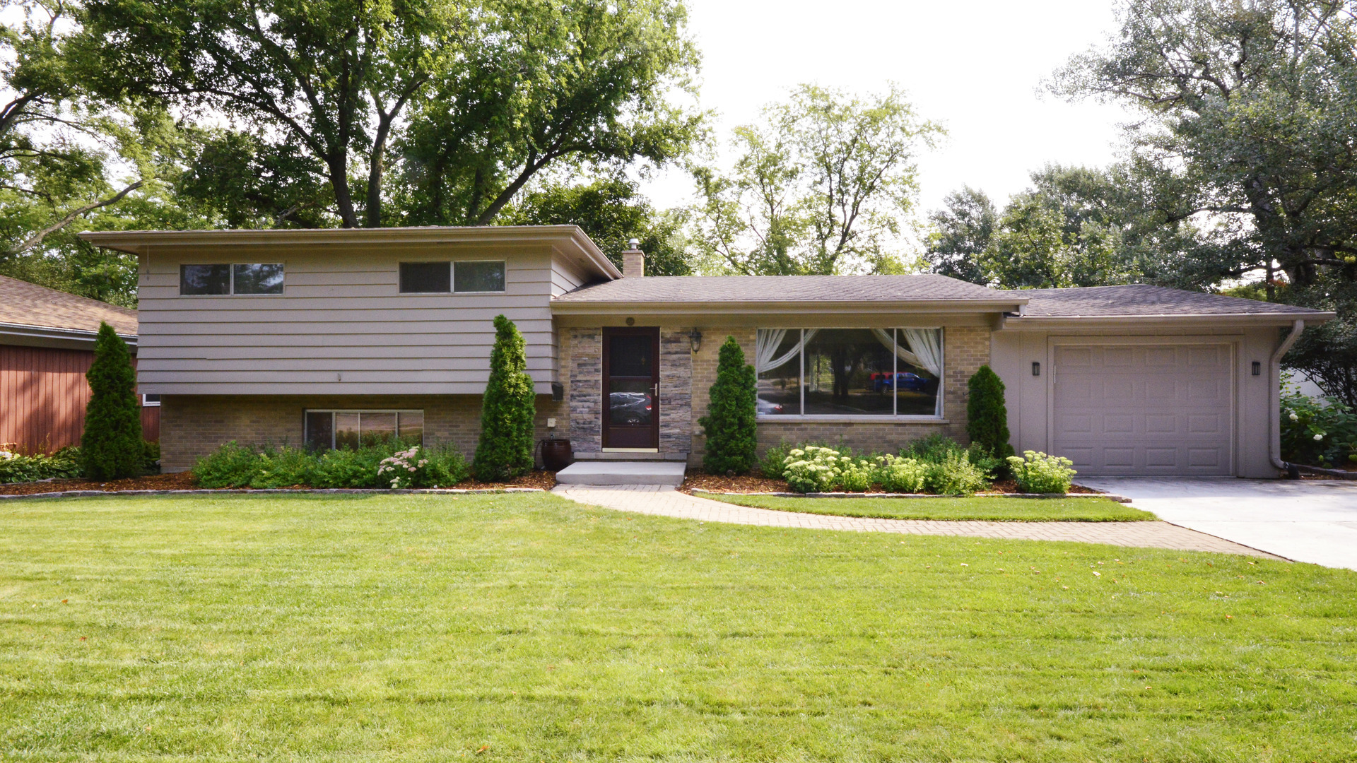 159 Maple ,Palatine, Illinois 60067