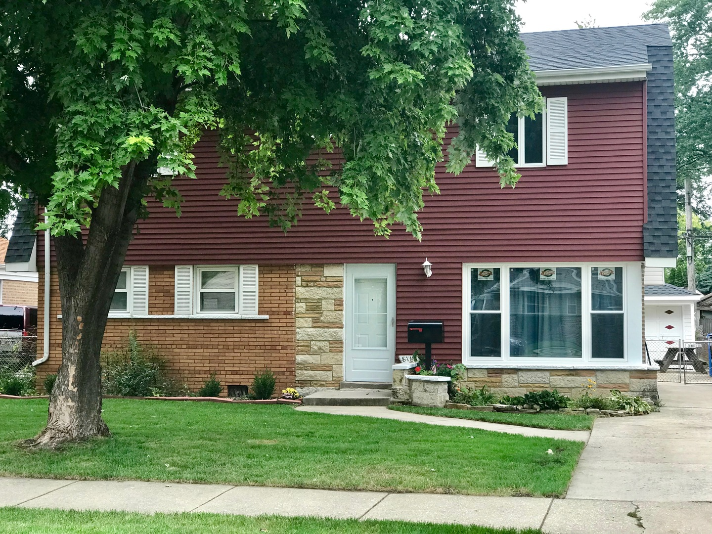 8169 SOUTH SCOTTSDALE AVENUE, CHICAGO, IL 60652