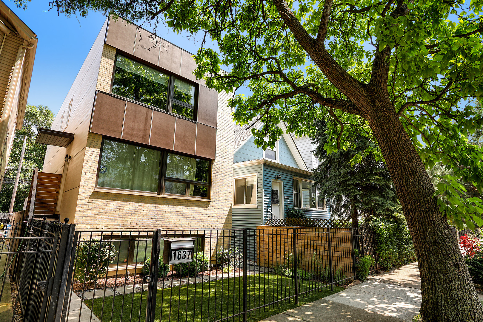 1637 NORTH WHIPPLE STREET, CHICAGO, IL 60647