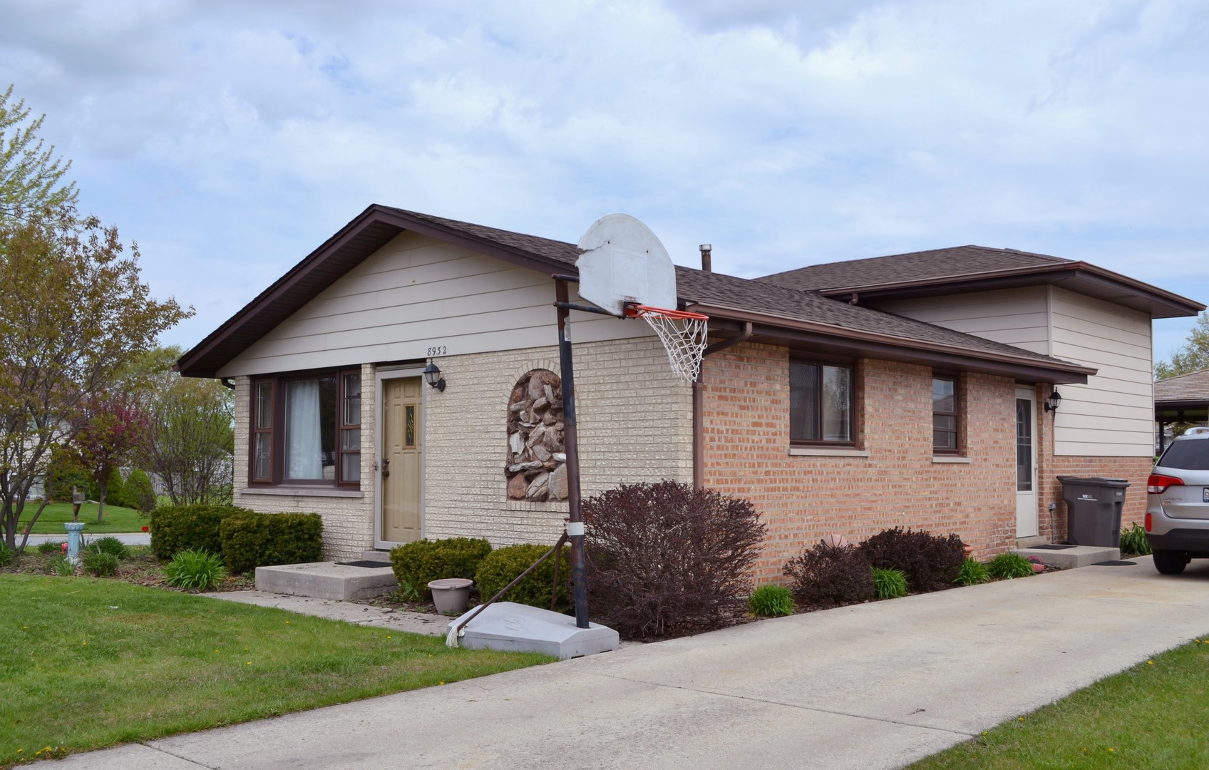 Photo of 8932 169th Street Orland Hills IL 60487