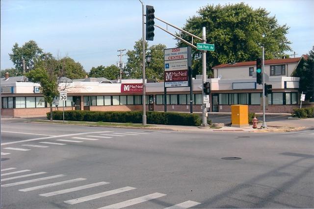 2550 Oak Park, Berwyn, Illinois 60402