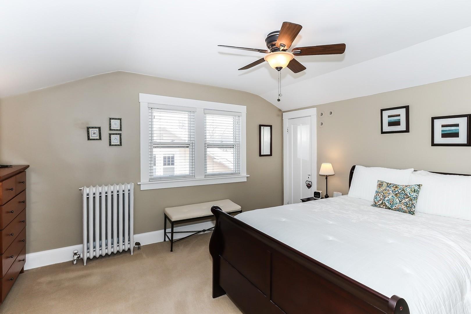 221 Coolidge ,Barrington, Illinois 60010