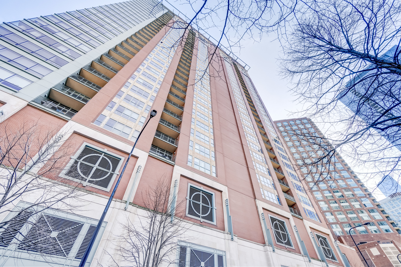 415 East North Water Street, Chicago, IL 60611