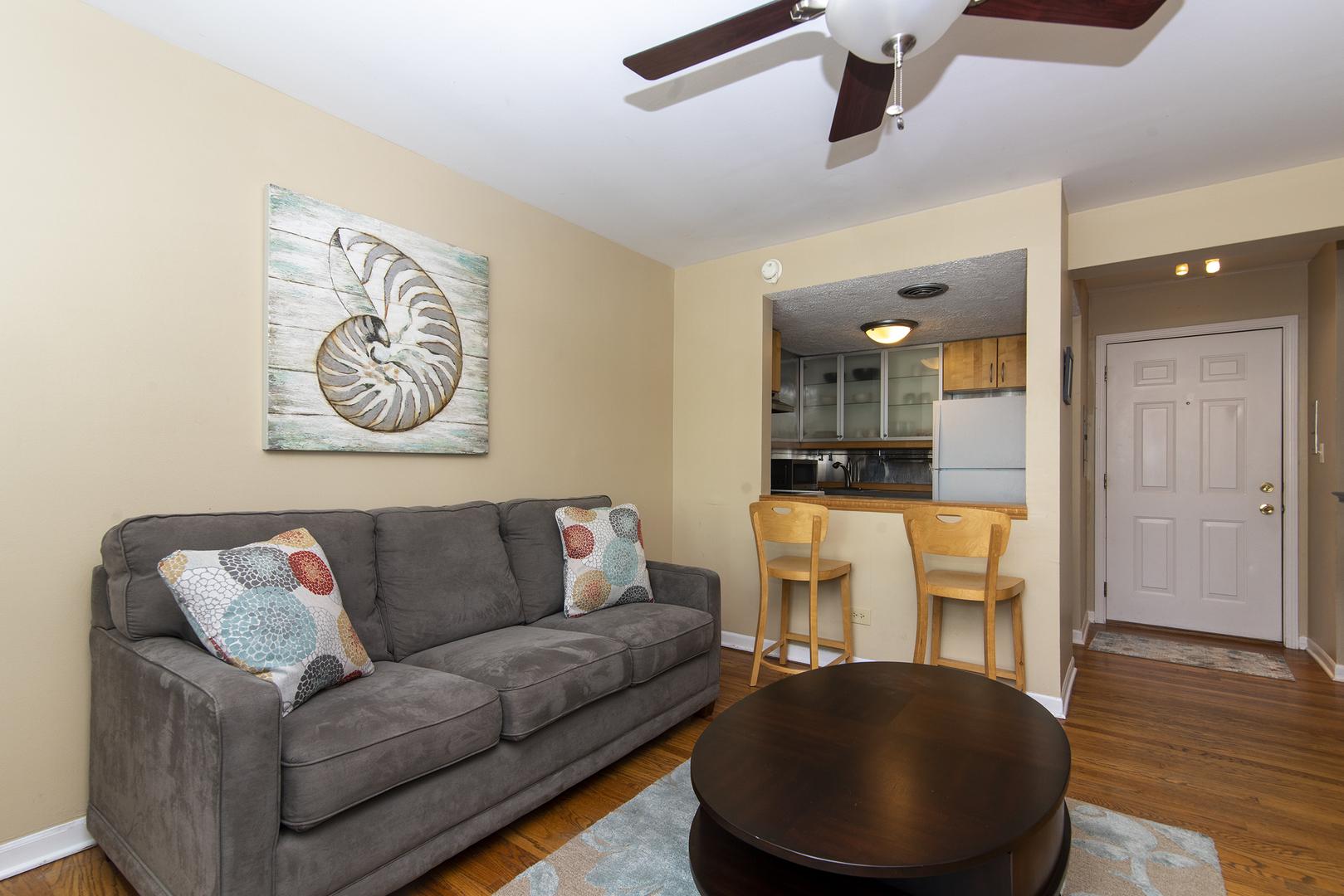 1050 W Columbia Ave apartments for rent at AptAmigo