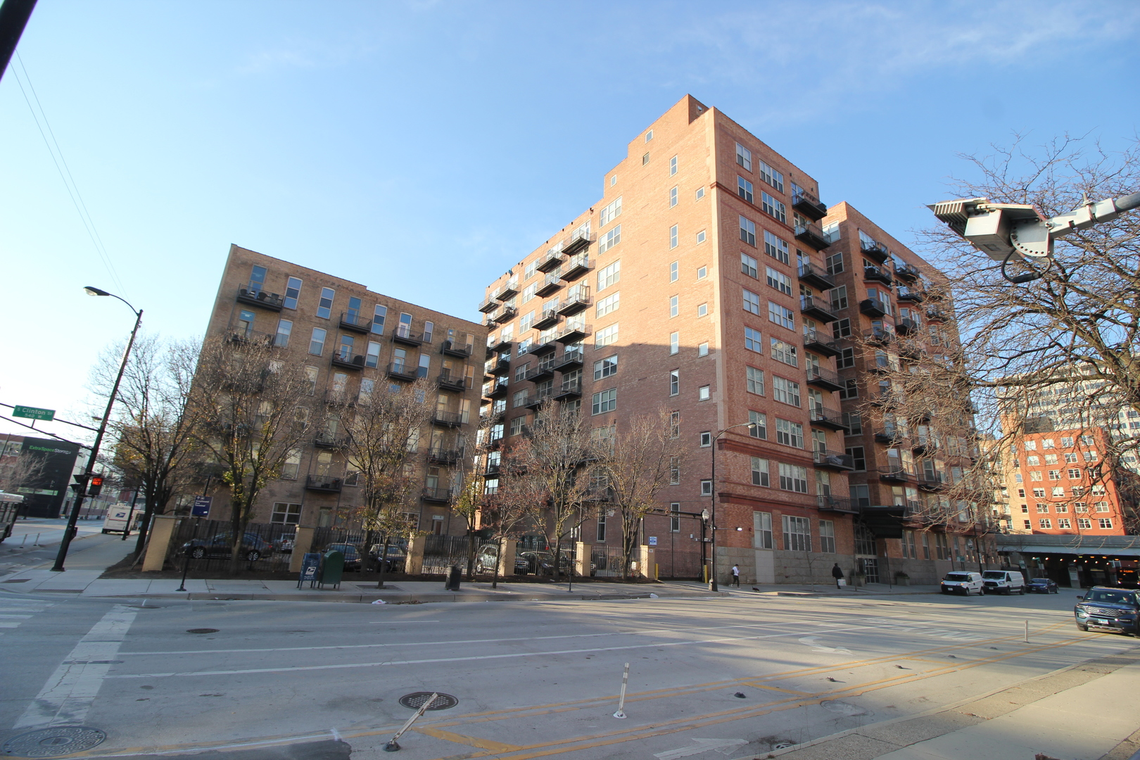 Photo of 550 HARRISON Chicago IL 60607
