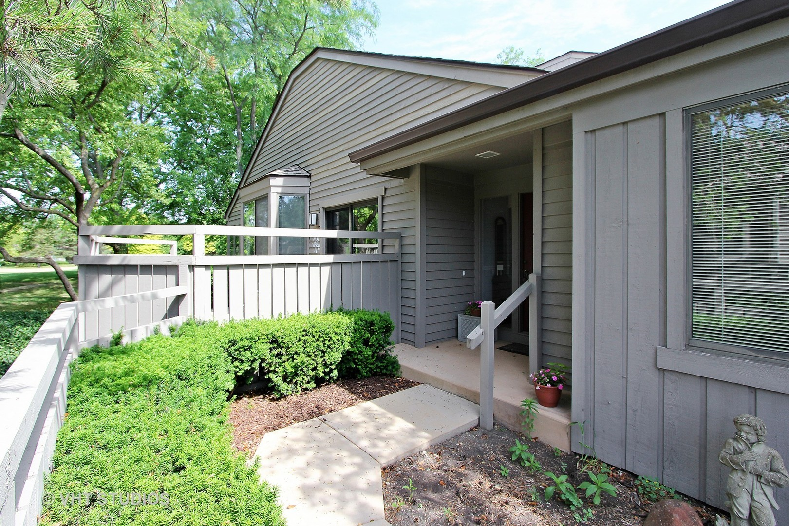 662 Shoreline RD, Barrington Area, IL, 60010, condos and townhomes for sale