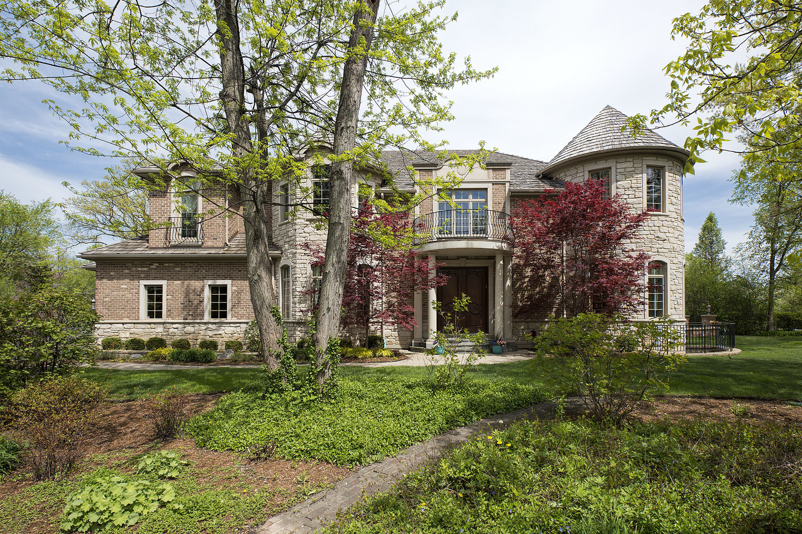 1749 East Ridgewood Lane, Glenview, IL 60025