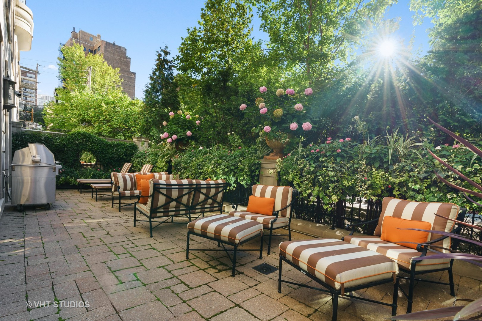 $6,900,000 - 3Br/6Ba -  for Sale in Chicago