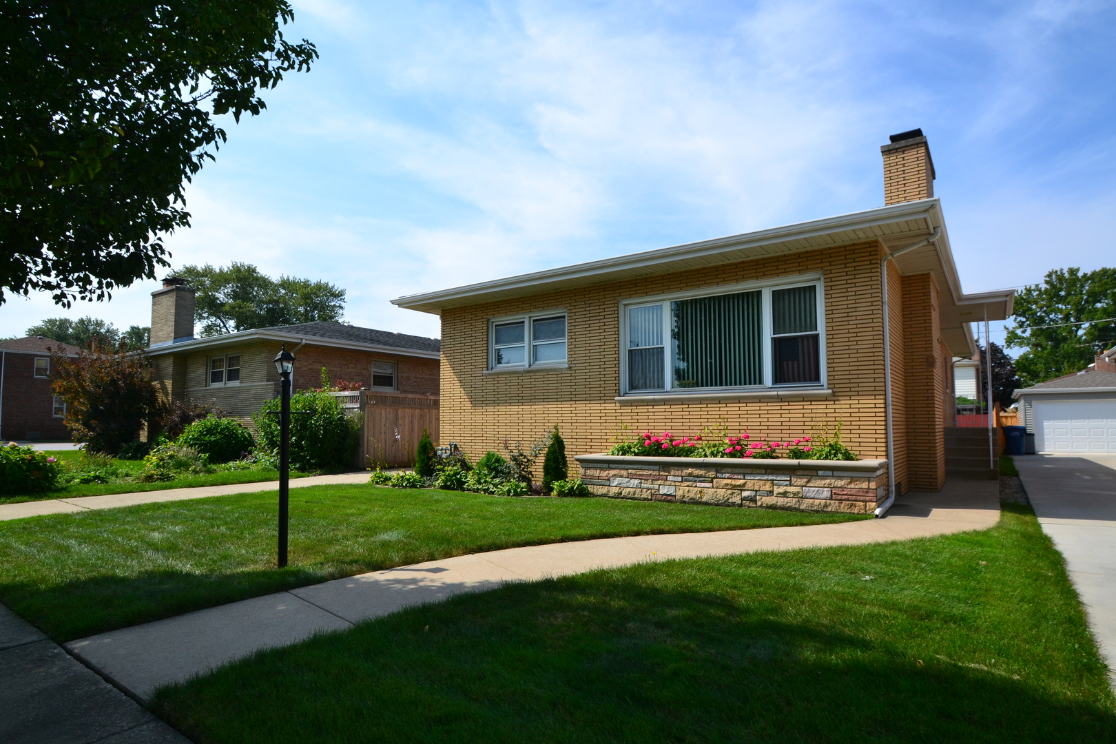 Photo of 10252 Homan Avenue Evergreen Park IL 60805