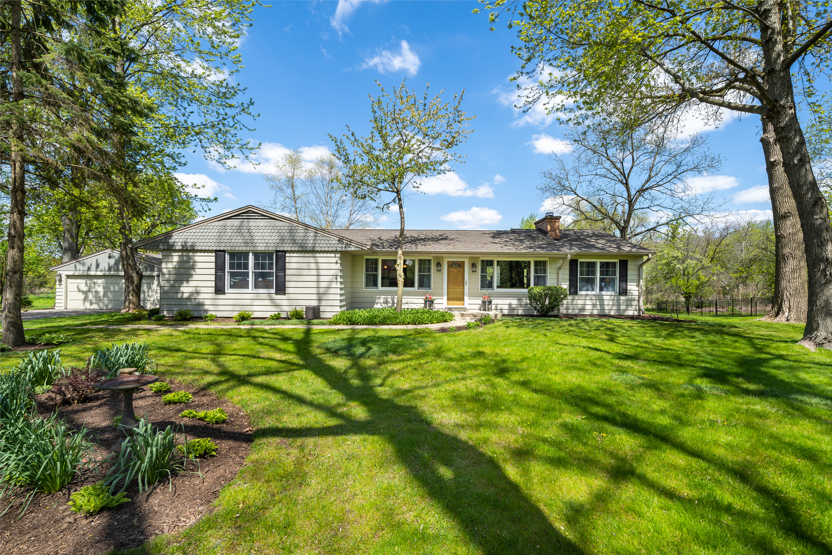 43w640 Thornapple Tree ,Sugar Grove, Illinois 60554