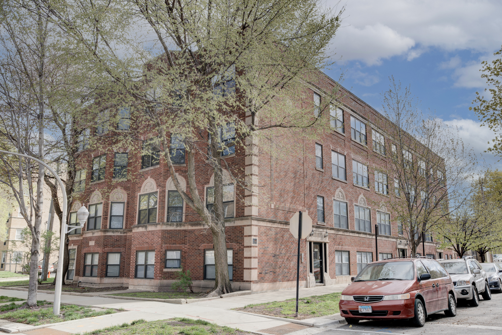 2050 Hood Unit Unit 4b ,Chicago, Illinois 60659