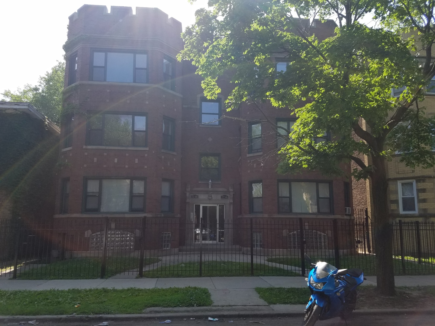 7748 Yates, Chicago, Illinois 60649