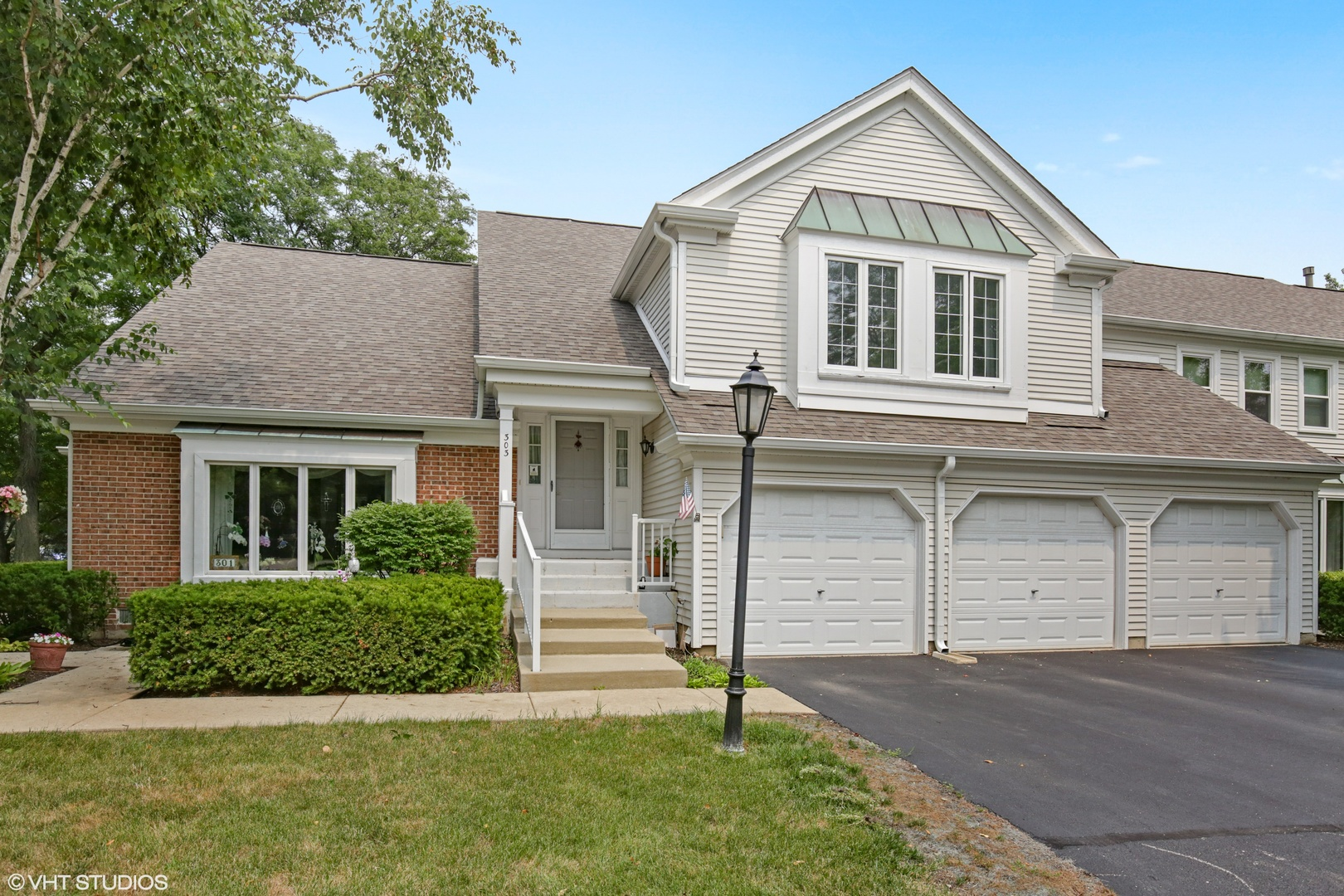 303 Country Club ,Prospect Heights, Illinois 60070