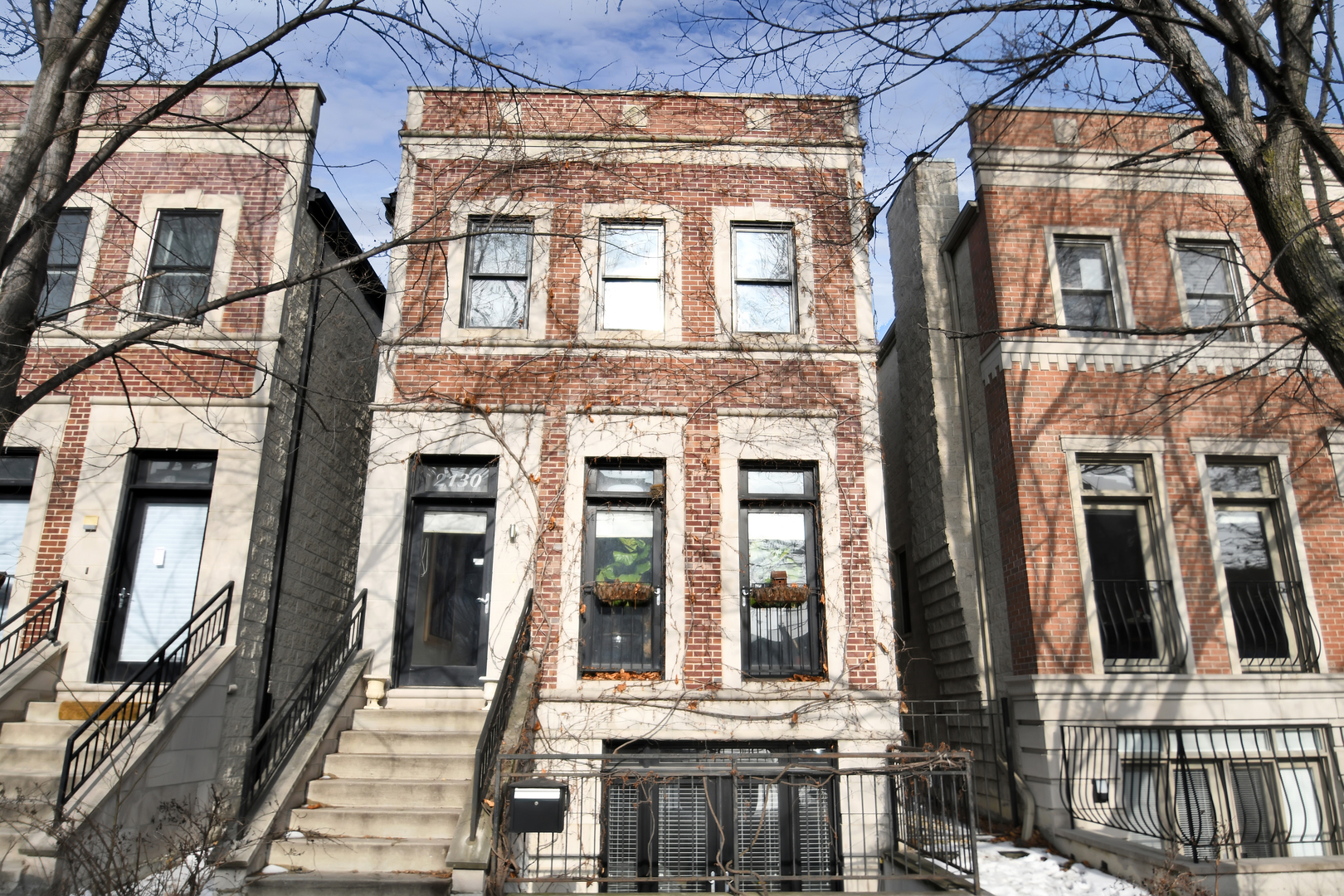 $1,124,000 - 4Br/4Ba -  for Sale in Chicago