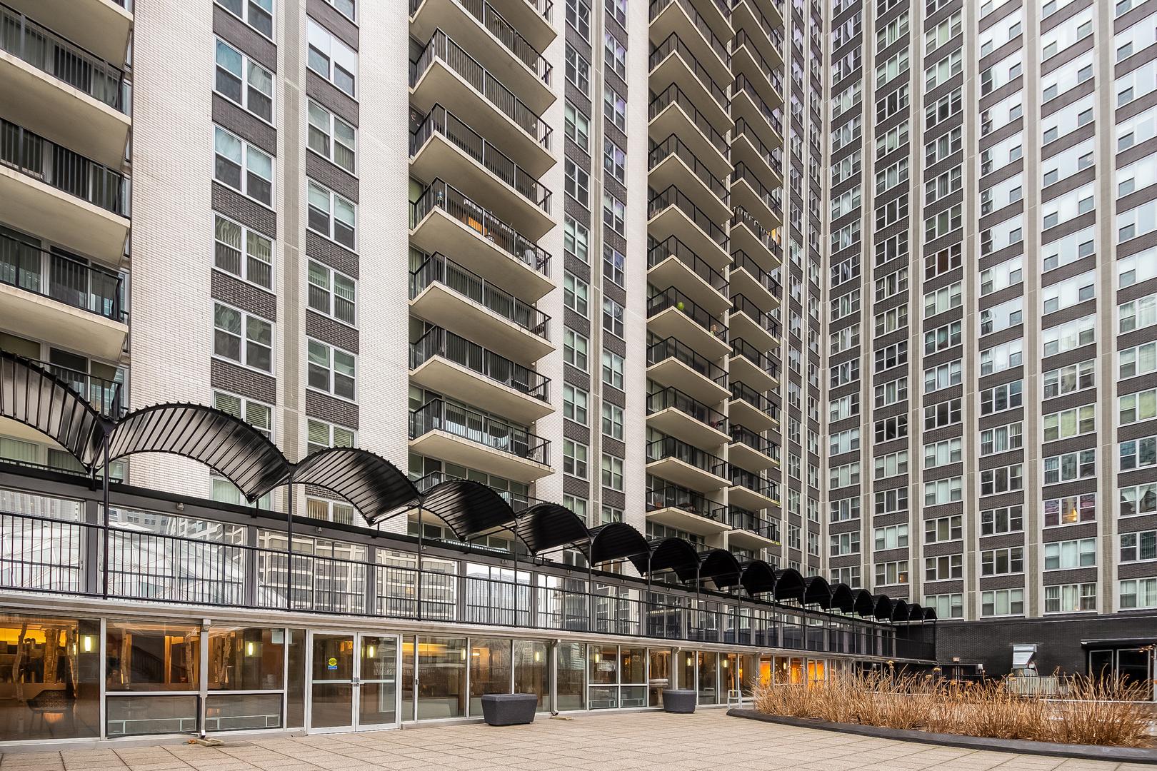 400 Randolph Unit Unit 2108 ,Chicago, Illinois 60601