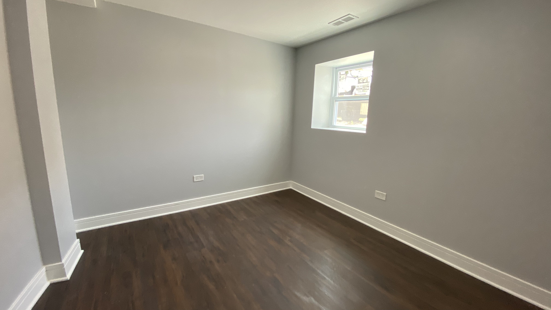 1014 N Harding Ave apartments for rent at AptAmigo