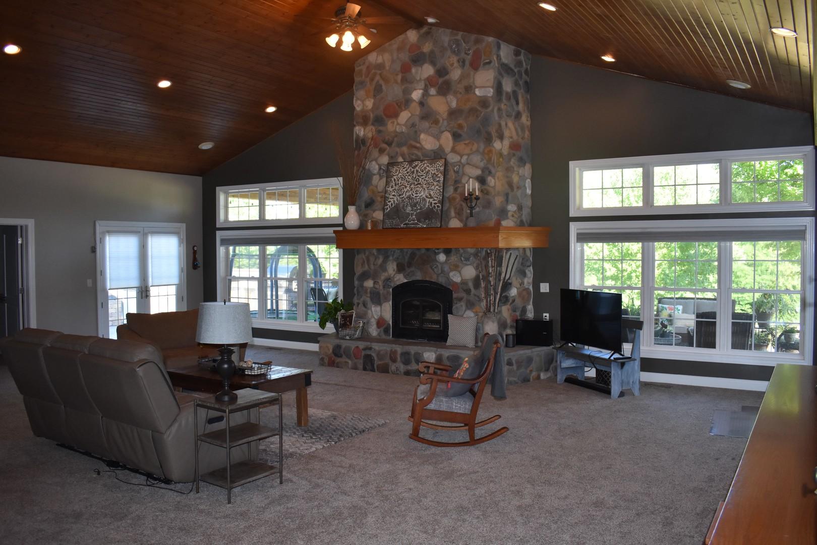 25925 Iron Mountain ,Tremont, Illinois 61568