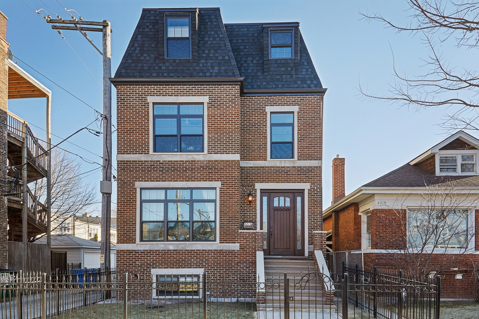 2215 W Winona Street, Chicago, IL 60618