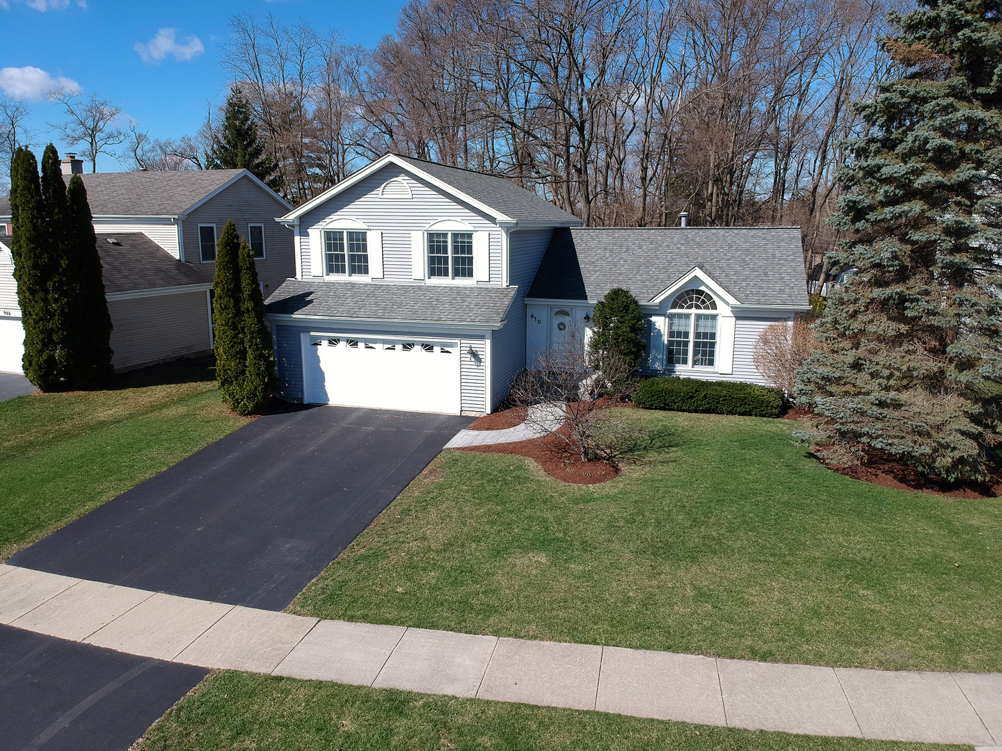 Photo of 910 HOLLY Circle LAKE ZURICH IL 60047