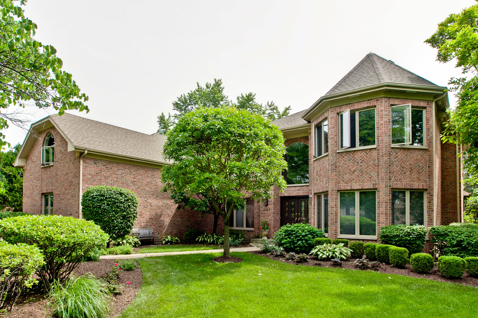 907 South Beverly Lane, Arlington Heights, IL 60005
