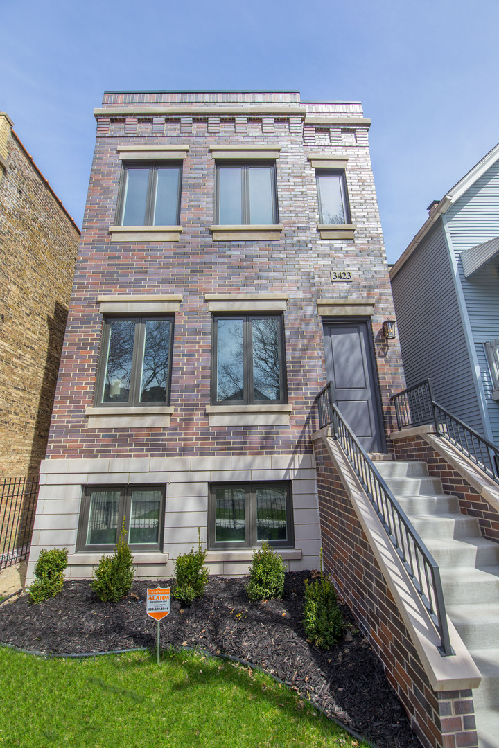 3423 N Bell Avenue, Chicago, IL 60618