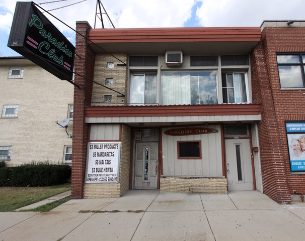 7068 Belmont, Chicago, Illinois 60634