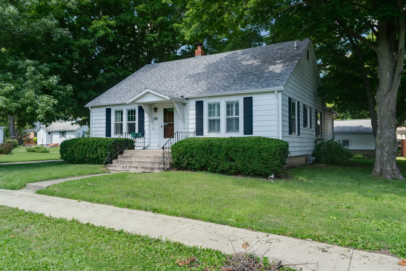 307 Walnut ,Lexington, Illinois 61753