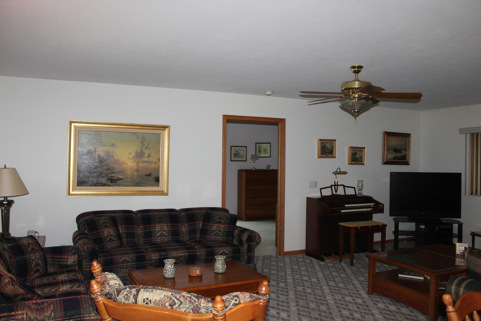 48 Oak Valley ,Elizabeth, Illinois 61028