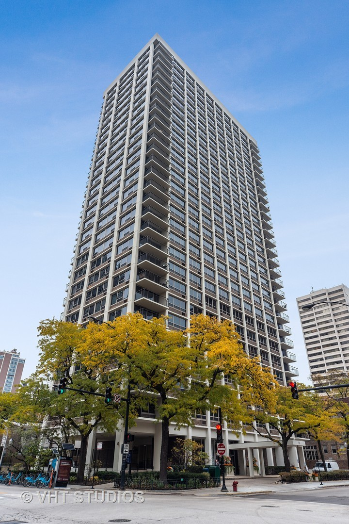 88 Schiller Unit Unit 2402l ,Chicago, Illinois 60610