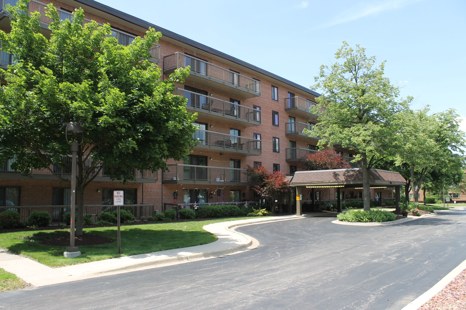 6443 Clarendon Hills Unit Unit 110 ,Willowbrook, Illinois 60527
