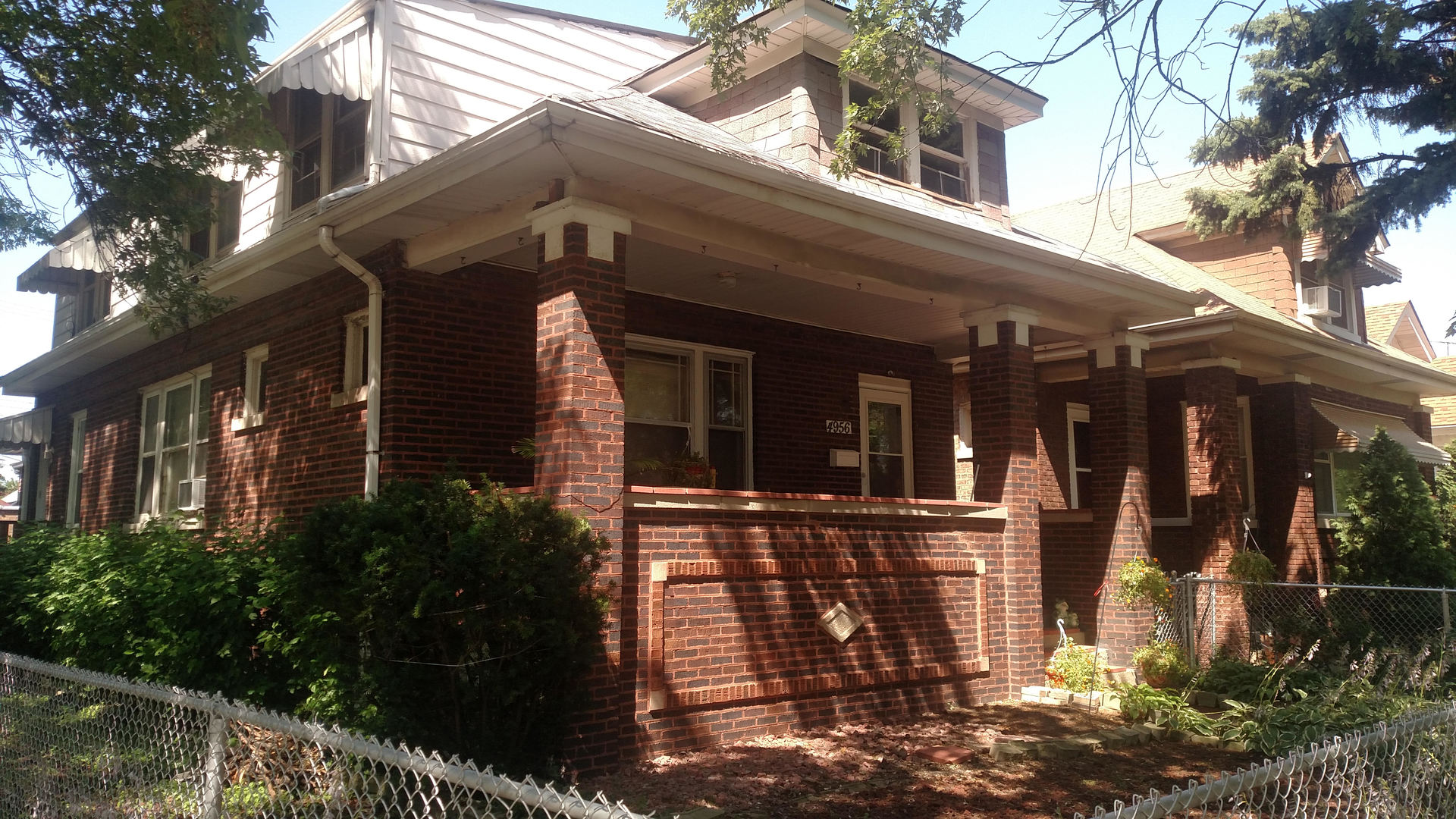 4956 Oakdale ,Chicago, Illinois 60641