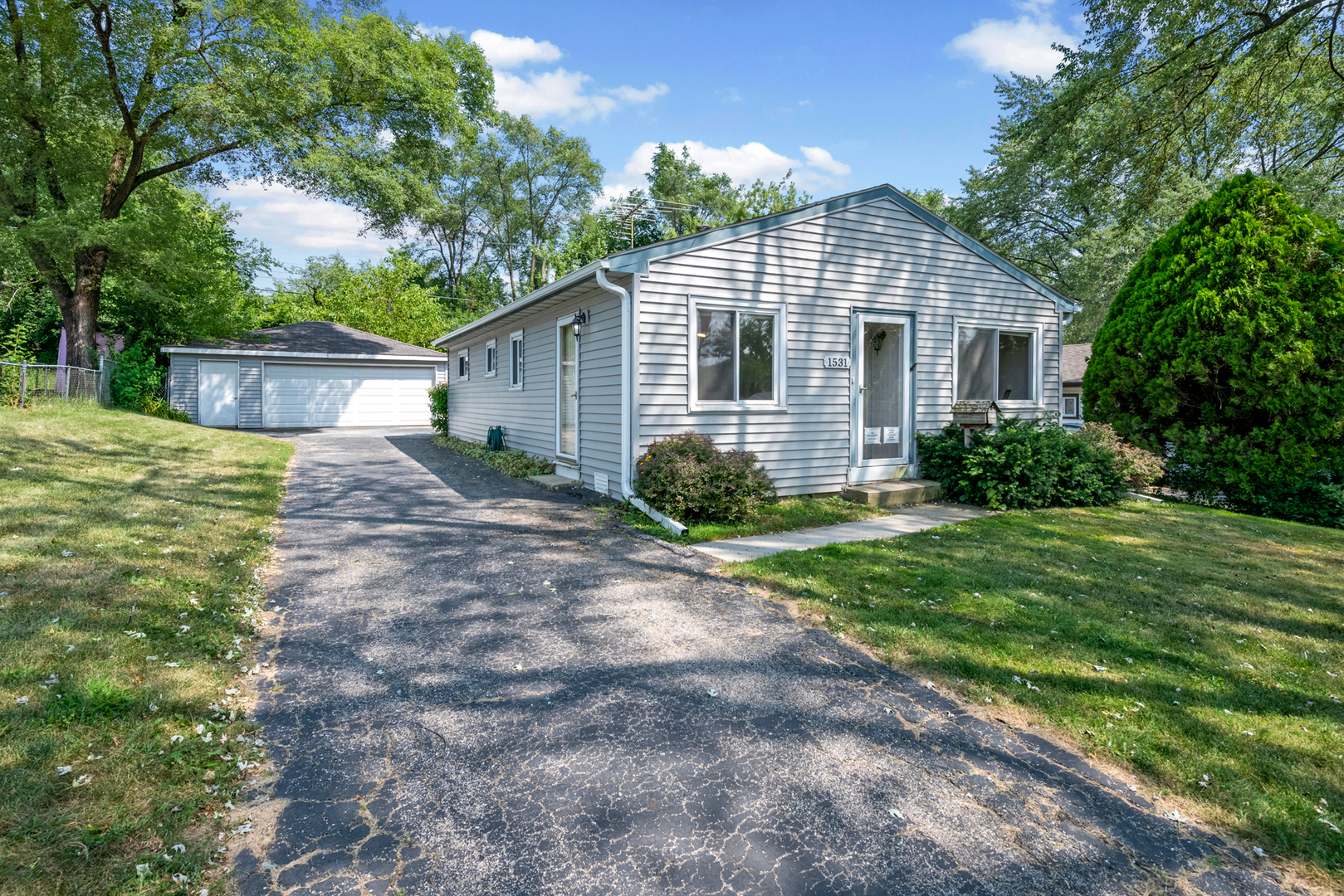 Homes for Sale in Glenbard Township High School District