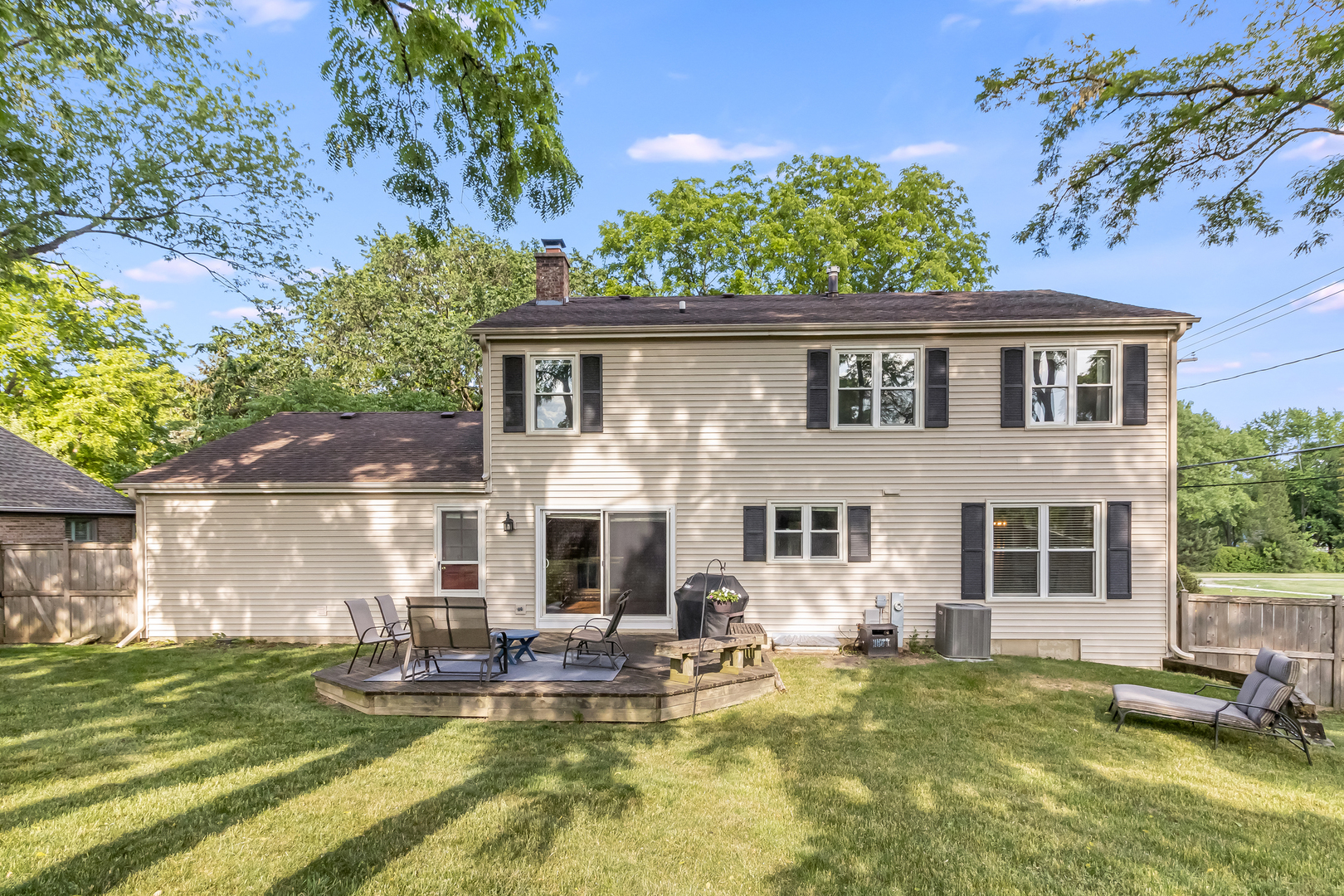 110 Hilltop ,Barrington, Illinois 60010