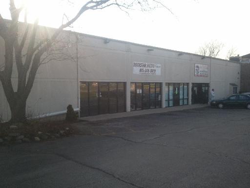 1230 Davis ,Woodstock, Illinois 60098
