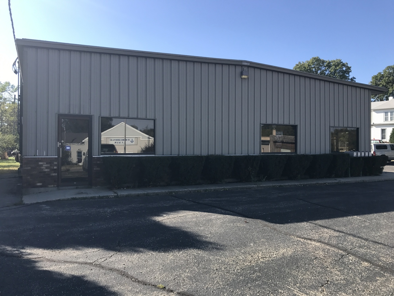 820 Mchenry, Woodstock, Illinois 60098