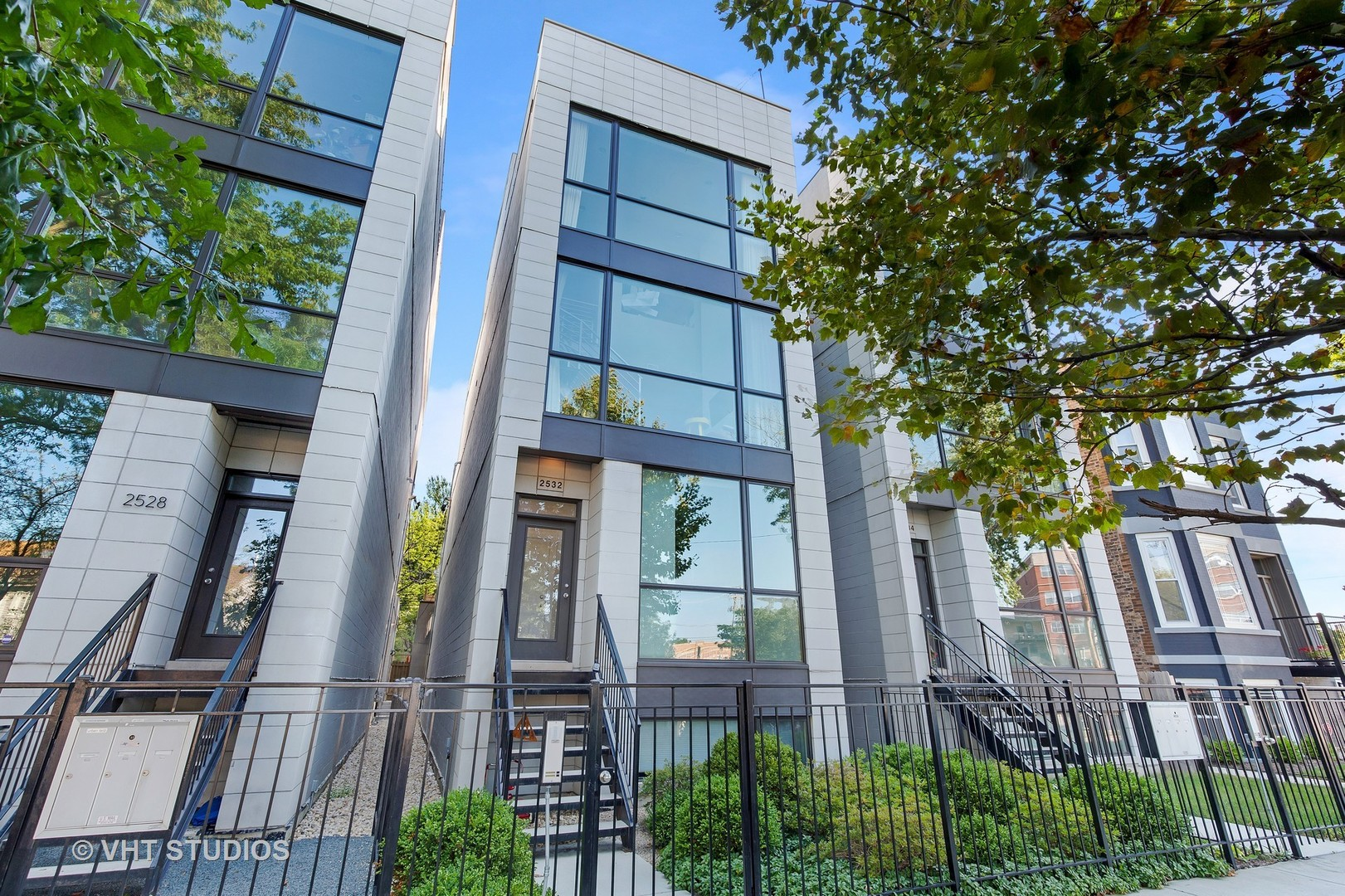 2532 NORTH LINDEN PLACE #2, CHICAGO, IL 60647