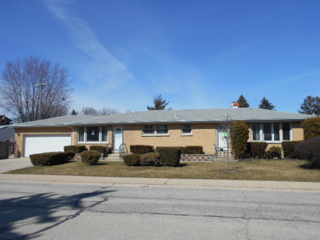 240 Country Club ,Northlake, Illinois 60164
