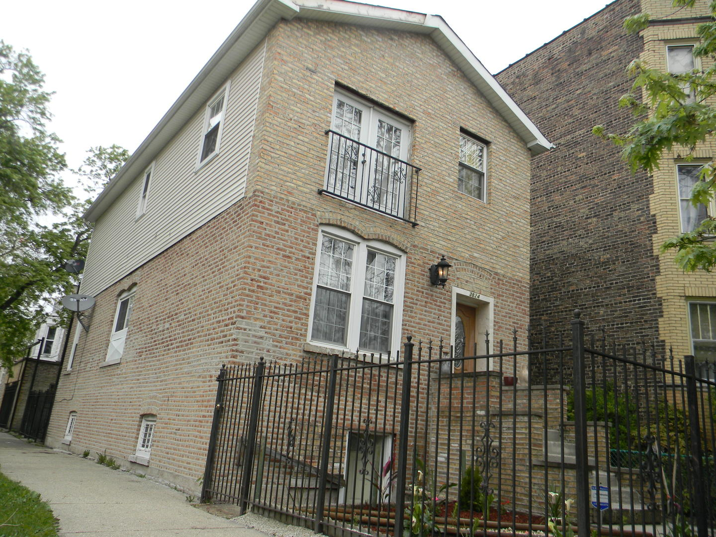 $209,900 - 4Br/3Ba -  for Sale in Chicago