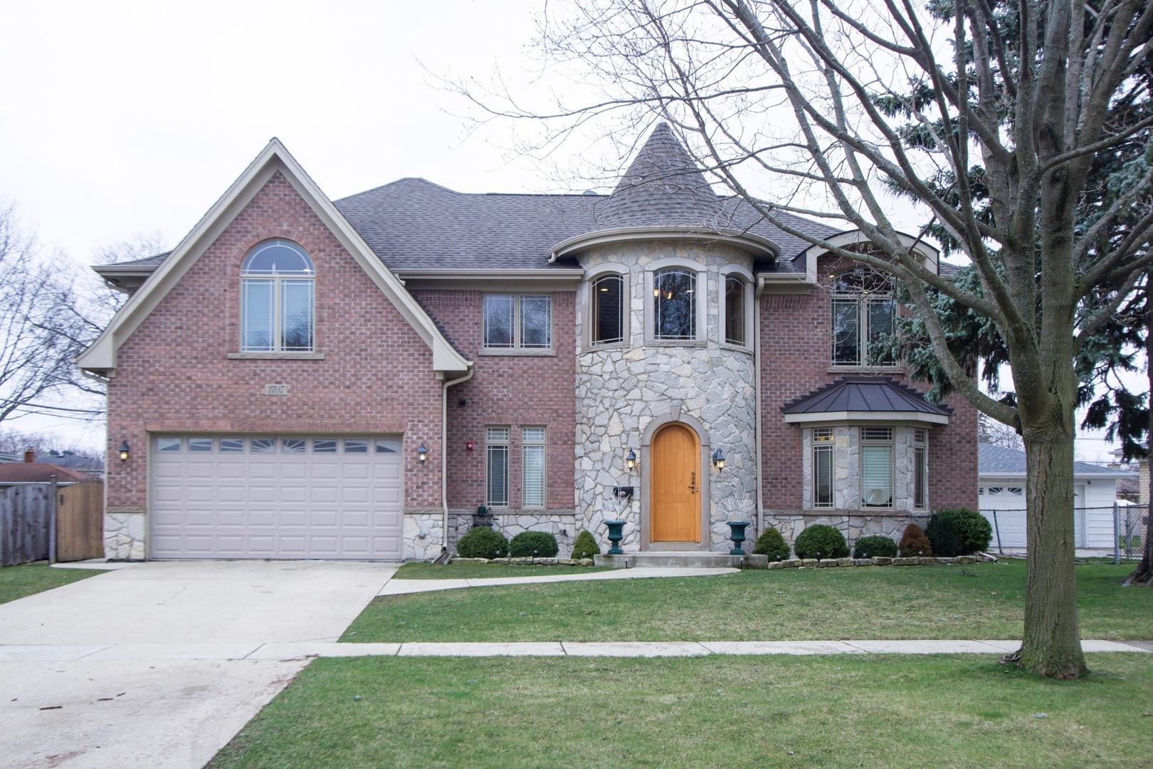 1707 W Lincoln Street, Mount Prospect, IL 60056