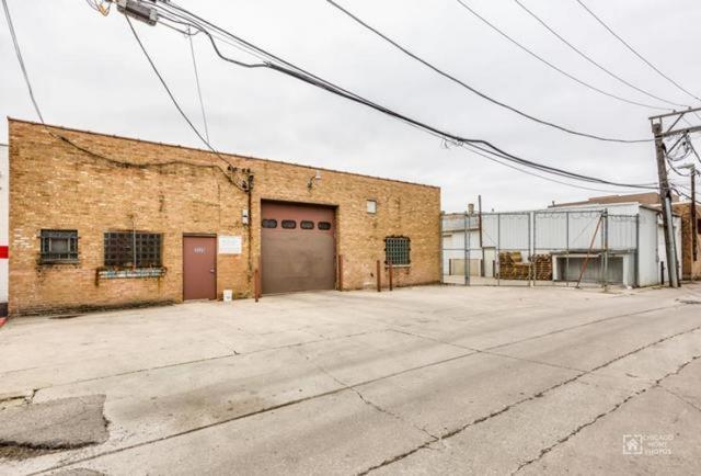 3531 Milwaukee, Chicago, Illinois 60641