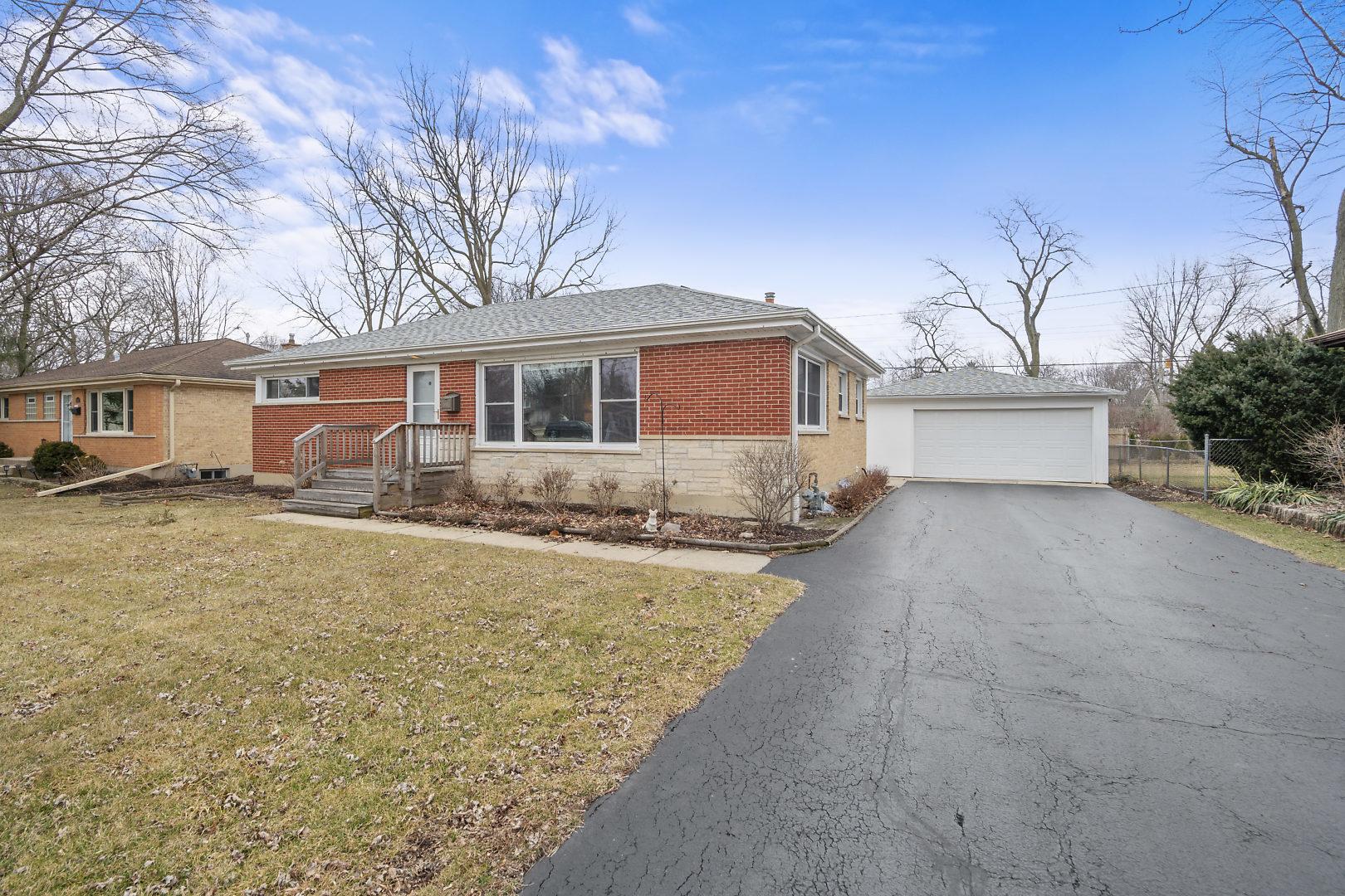 1007 Wakeman ,Wheaton, Illinois 60187