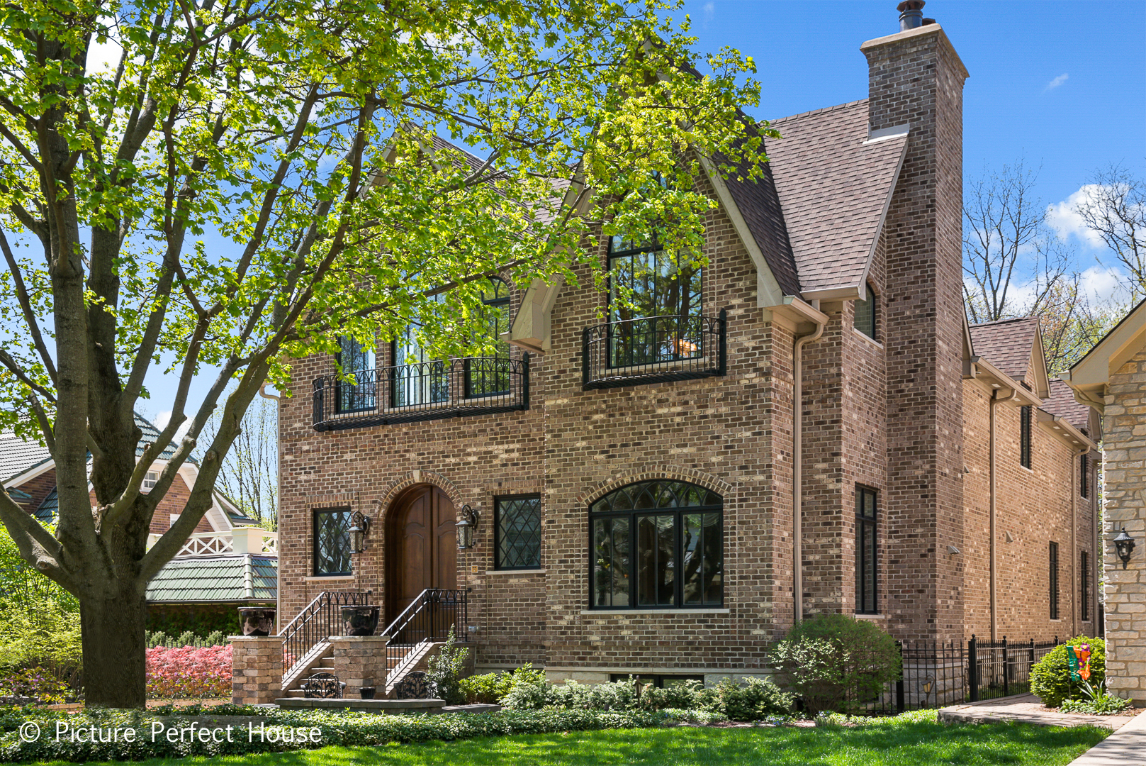 $1,379,000 - 4Br/5Ba -  for Sale in Naperville