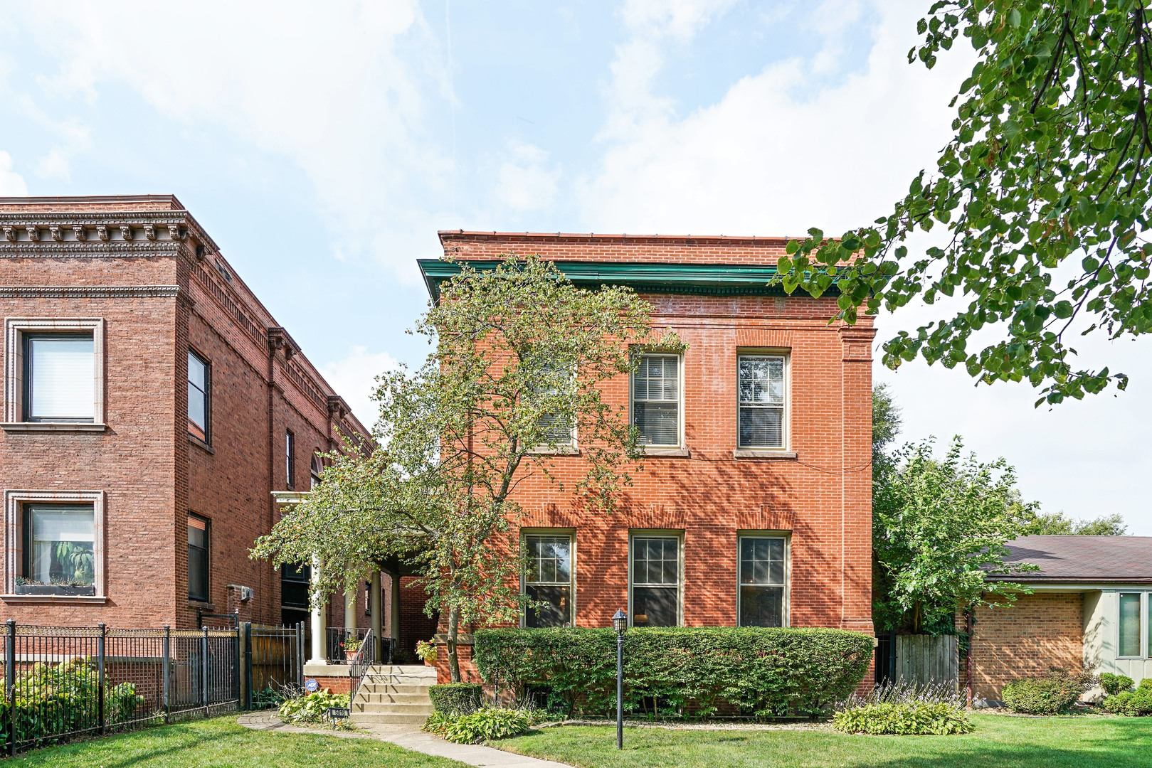 5016 South Ellis Avenue, Chicago-Kenwood, IL 60615