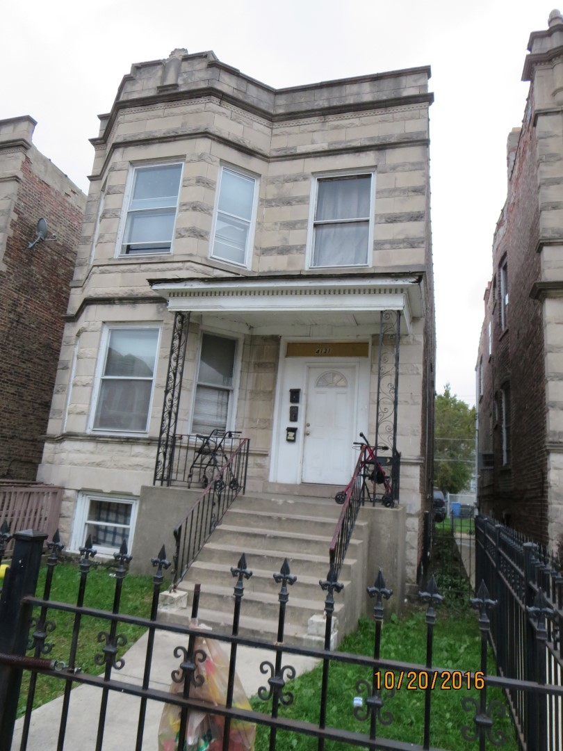CLASSIC BRICK 2 FLAT, SOLD AS-IS AND READY FOR A NEW FAMILY. THIS HOME IS BEING SOLD AS-IS BUT IS NOT BANK OWNED AND NOT A SHORT SALE. LOCALLY OWNED AND MOTIVATED TO SELL. PLEASE INSPECT PRIOR TO SUBMITTING AN OFFER.  PLEASE NOTE: 0% TAX PRORATIONS ARE OFFERED, THE SELLER WILL PAY CURRENT AND ALL PRIOR TAX BUT 0% CREDIT FOR FUTURE BILLS.  SPECIAL WARRANTY DEED AT CLOSING. NO SURVEY. FOR FASTER RESPONSE PLEASE USE SELLERS CONTRACT, ADDENDUM AND DISCLOSURES UNDER DOCUMENTS. NO CALLS .