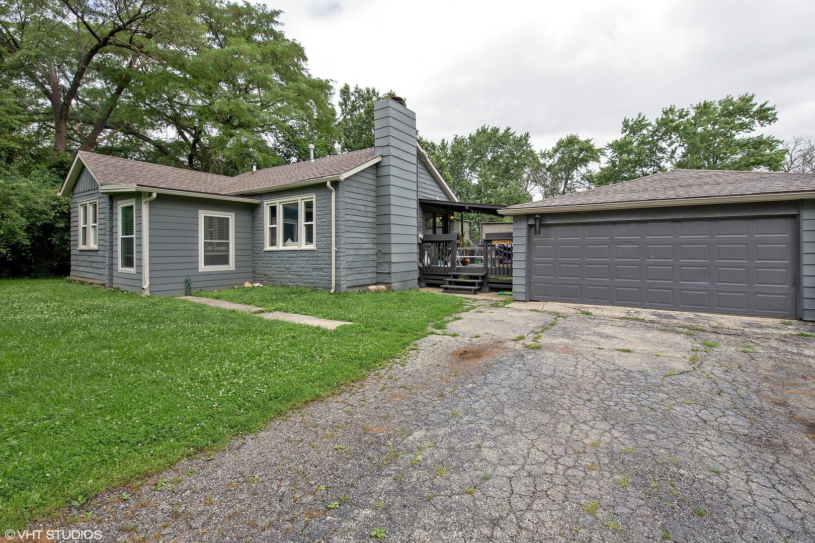 17W330 White Pine Rd, Bensenville IL 60106