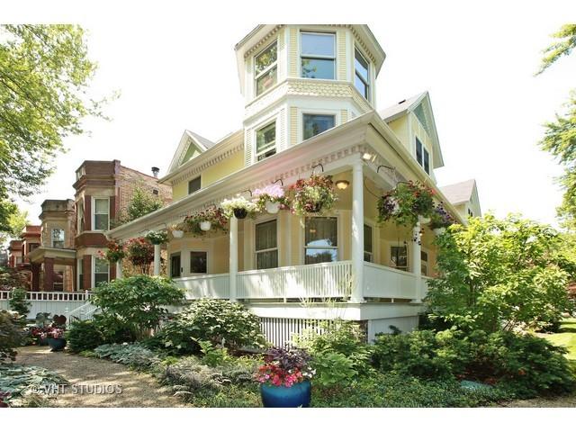 1904 West Patterson Avenue, Chicago-North Center, IL 60613